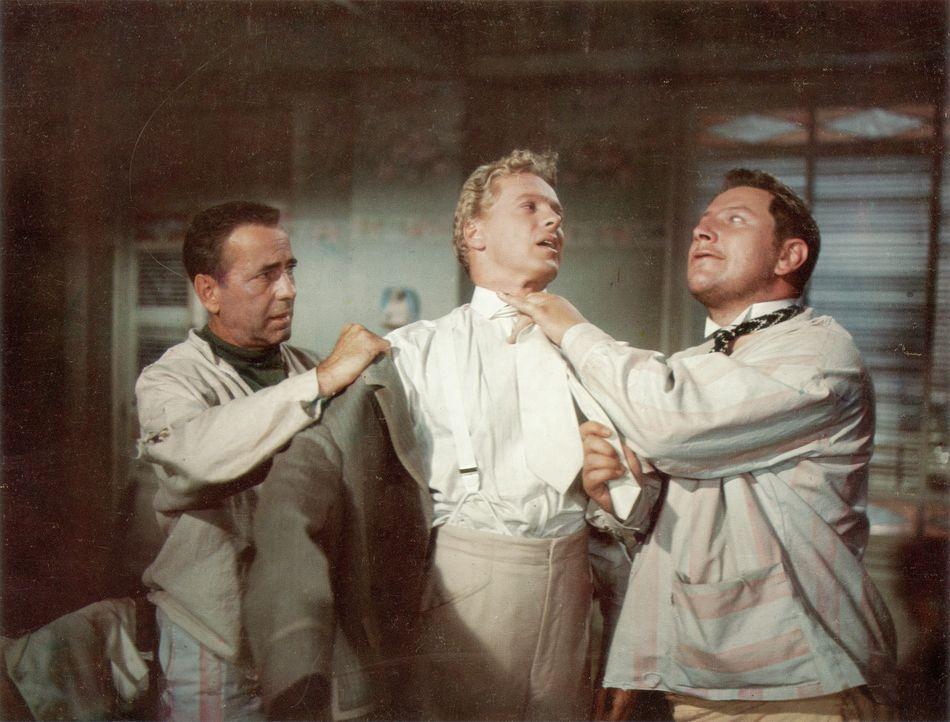 Am Weihnachtsabend gelingt den drei zu lebenslänglicher Haft verurteilten Gaunern Joseph (Humphrey Bogart, l.), Albert (Aldo Ray, M.) und Jules (Pet... - Bildquelle: Paramount Pictures