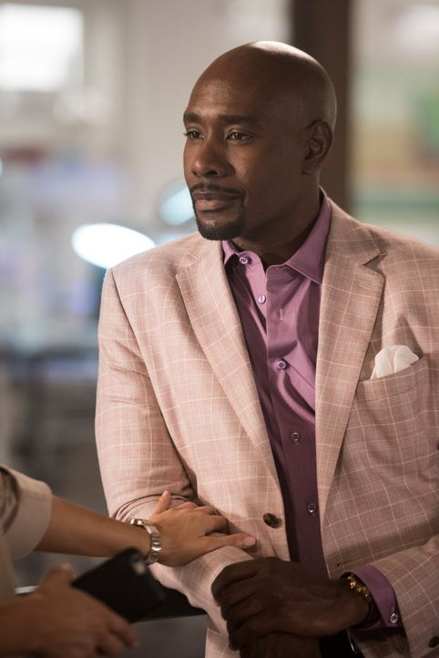 Kann Rosewood (Morris Chestnut) mit Hilfe der Pathologiestudenten einen alten Mordfall lösen, der zwischen ihm und seiner Mutter steht? - Bildquelle: 2016-2017 Fox and its related entities. All rights reserved.