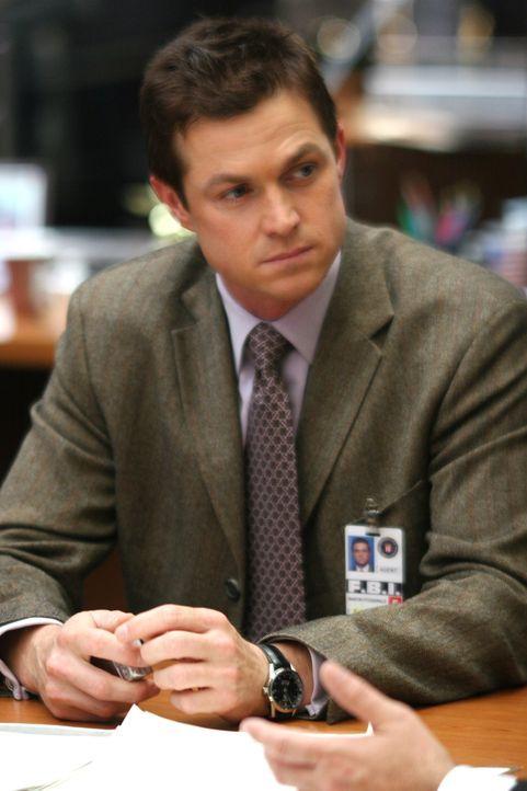 Martin Fitzgerald (Eric Close) versucht herauszufinden, warum der junge Cole plötzlich verschwunden ist ... - Bildquelle: Warner Bros. Entertainment Inc.