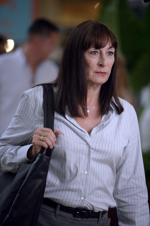 Allison hofft auf Unterstützung von Cynthia Keener (Anjelica Huston), doch wird sie ihr weiterhelfen können? - Bildquelle: Paramount Network Television