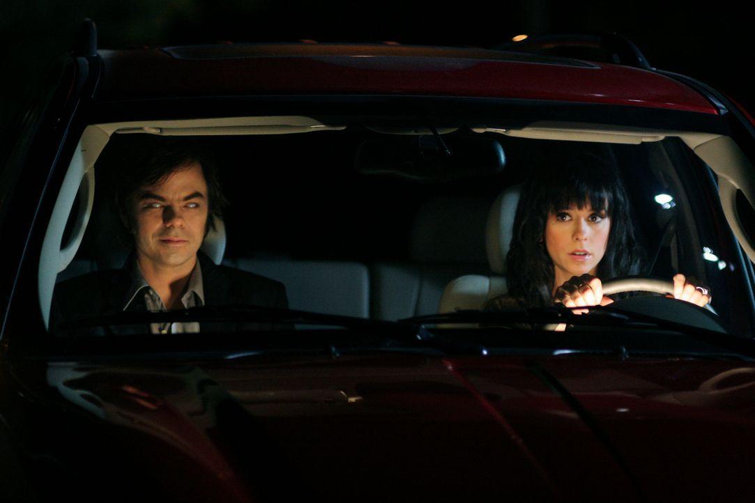 Marty (Jed Rees, l.) bittet Melinda (Jennifer Love Hewitt, r.) um Hilfe. Er kann sich nicht mehr daran erinnern, wie er ums Leben kam und ist deshal... - Bildquelle: ABC Studios