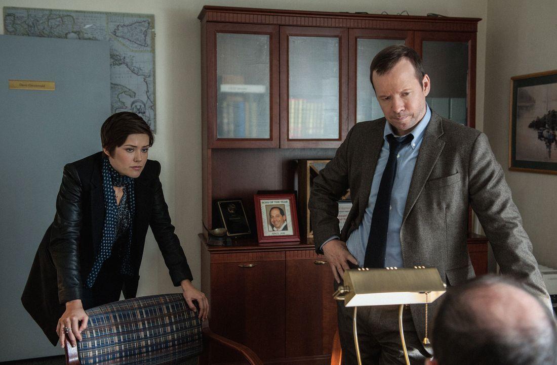 Noch hat sich Danny (Donnie Wahlberg, r.) nicht an seine neue Partnerin Candice (Megan Boone, l.) gewöhnt ... - Bildquelle: Jojo Whilden 2013 CBS Broadcasting Inc. All Rights Reserved.