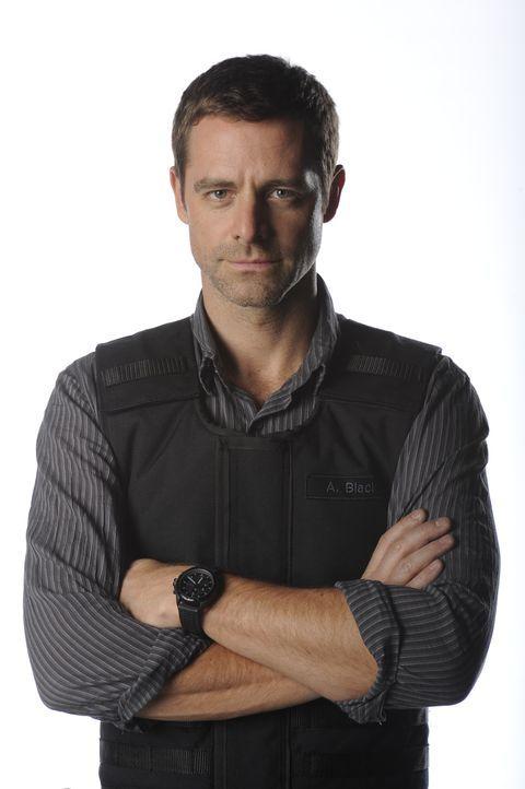 (2. Staffel) - Detective Aiden Black (David Sutcliffe) nimmt sich als ehemaliger SWAT-Agent vieler Verbrechen an, bei denen er sich auch auf die psy... - Bildquelle: CBC 2013
