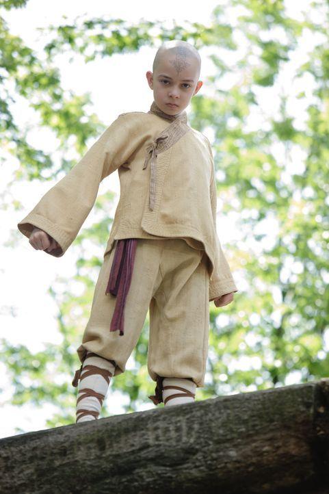 Vor 100 Jahren geschah das Unbegreifliche: Der Avatar verschwand plötzlich und seither regiert das Chaos die Welt. Da wird ein kleiner Junge (Noah R... - Bildquelle: Zade Rosenthal 2010 PARAMOUNT PICTURES.  All Rights Reserved.