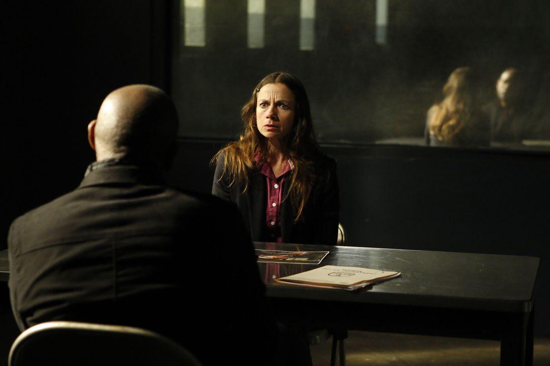 Sam (Forest Whitaker, l.) und sein Team werden nach Tuscon, Arizona, gerufen um einem Mordfall aufzuklären. Dabei stoßen sie auf Margaret (Justine B... - Bildquelle: ABC Studios
