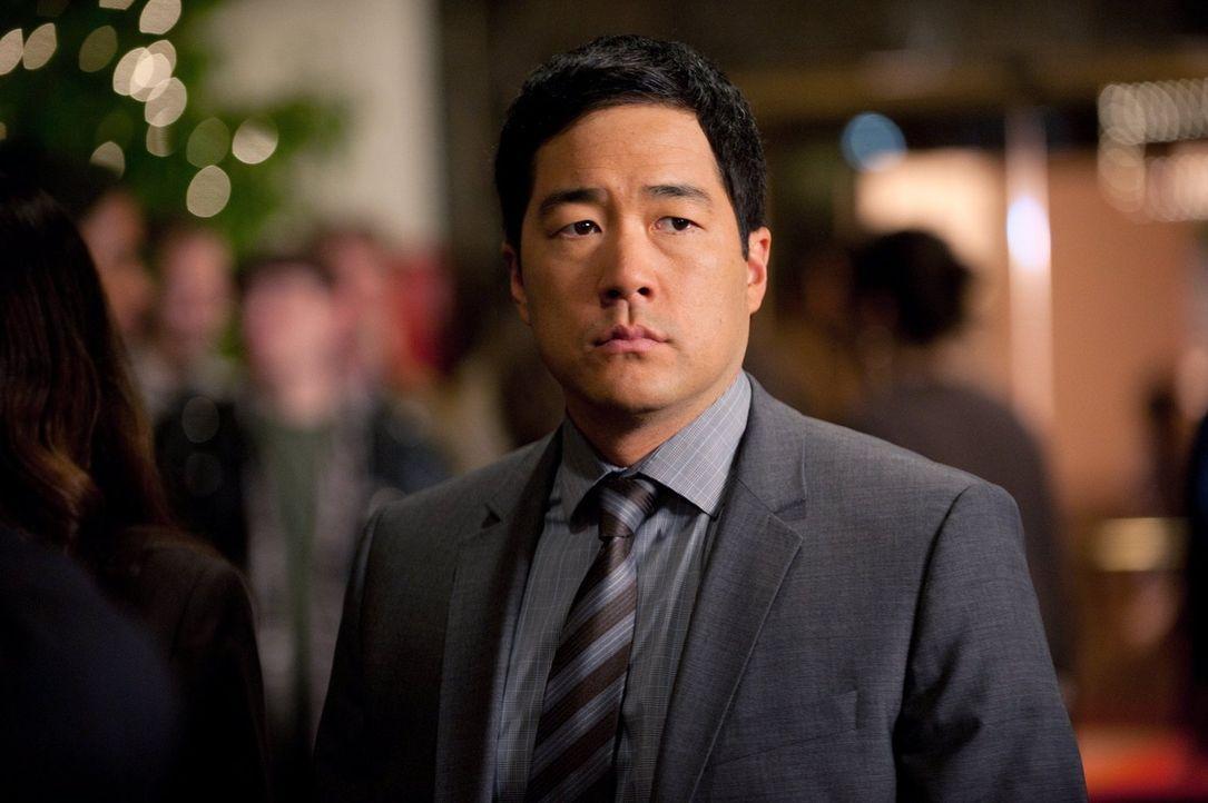 Ermittelt in einem Casino, um den Mord an einem Ex-Mitarbeiter aufzuklären: Kimball (Tim Kang) ... - Bildquelle: Warner Bros. Television