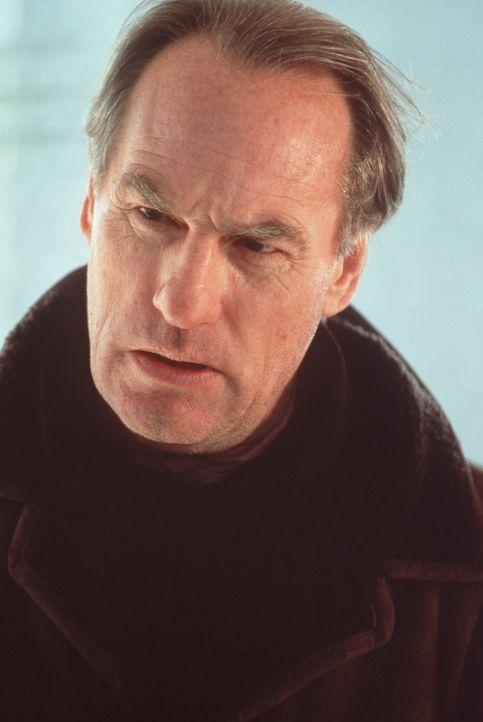 Er ist ein Mörder, doch er ist auch reich. Deshalb hat Immobilienmakler Alexander Cullon (Craig T. Nelson) gute Chancen, nicht ins Gefängnis gehen z... - Bildquelle: Warner Bros.