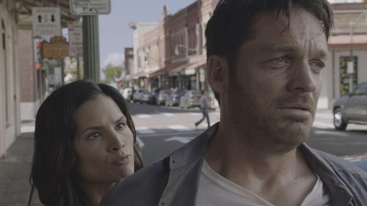 Quinn Liu (Katrina Law, l.); Jake (Bart Johnson, r.) - Bildquelle: 2020 CBS Broadcasting, Inc. All Rights Reserved