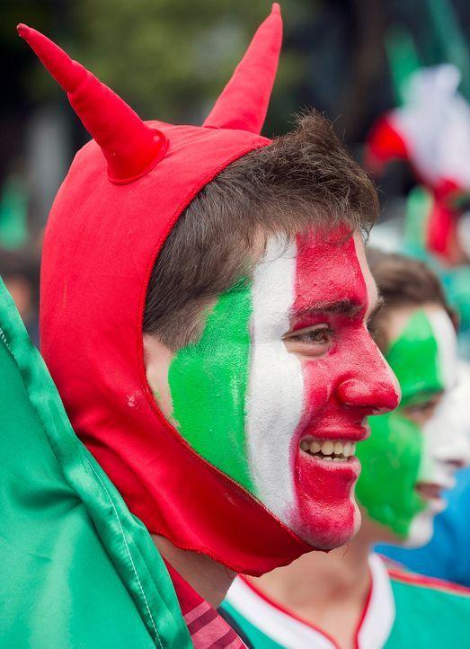 Fussball-Fans-Mexiko-120811-AFP - Bildquelle: dpa