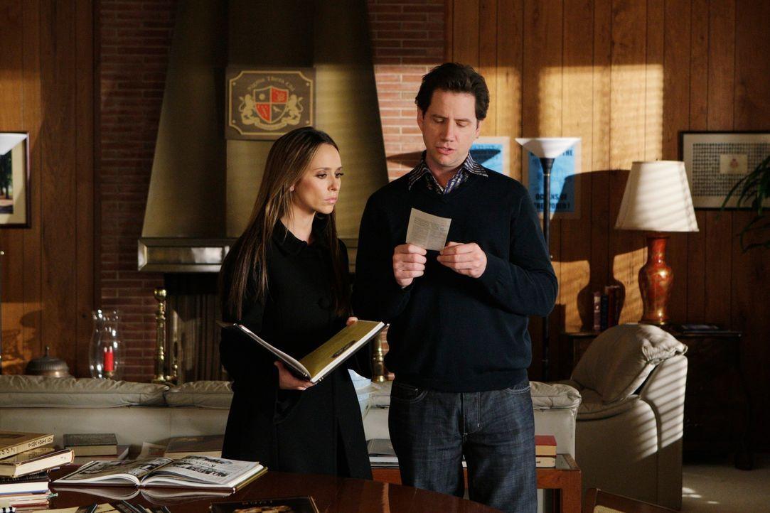 Zusammen mit Eli (Jamie Kennedy, r.) findet Melinda (Jennifer Love Hewitt, l.) heraus, dass eine junge Studentin verschwunden ist, die an einem Aufn... - Bildquelle: ABC Studios