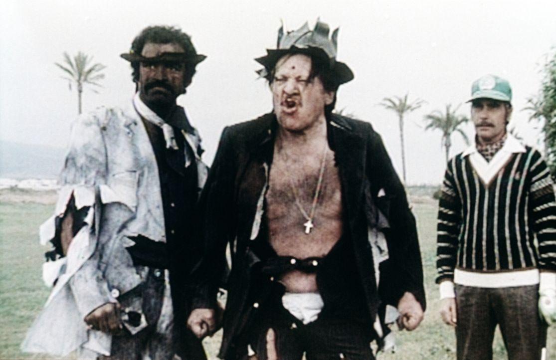 Die beiden Gauner Sal (Salvatore Borgese, l.) und Alfonso (Fernando Sancho, 2.v.l.) haben nicht damit gerechnet, dass sie in dem Tüftler und Abenteu... - Bildquelle: Beta Film GmbH