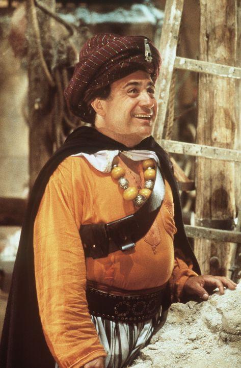 Auf der Suche nach dem Juwel vom Nil schließt sich Ralph (Danny DeVito) wilden Rebellen an. Dennoch bleibt er Joan und Jack auf ihrer Flucht durch h... - Bildquelle: 20th Century Fox Film Corporation
