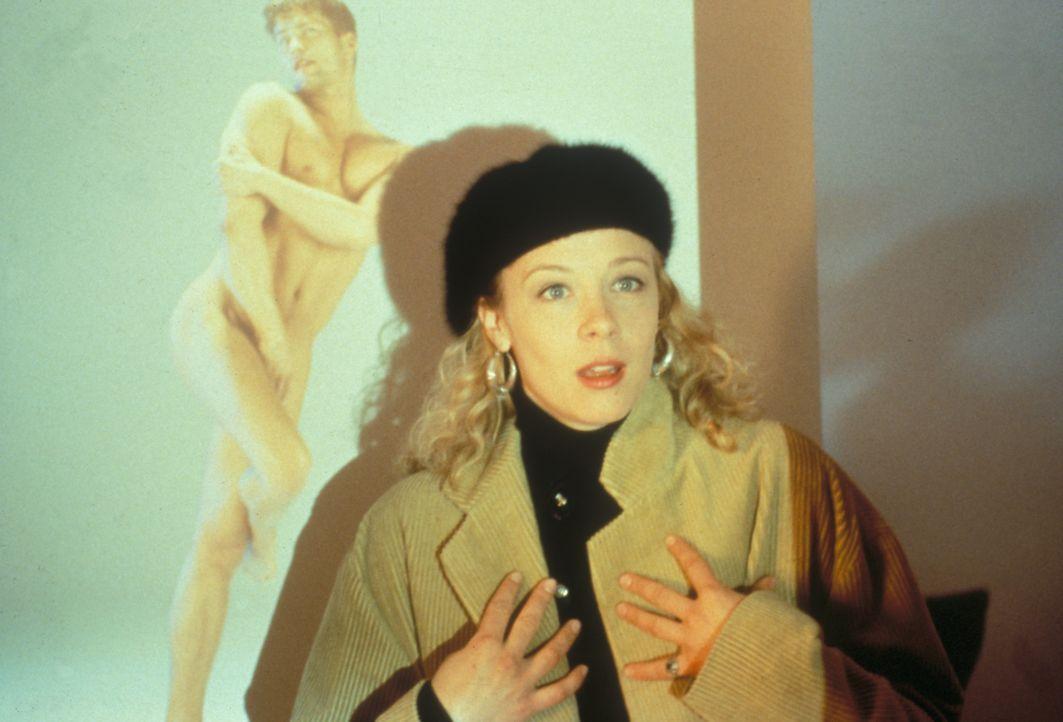 Doros (Katja Riemann) Verdacht, ihr Freund sei möglicherweise schwul, erhärtet sich zunehmend... - Bildquelle: Constantin Film