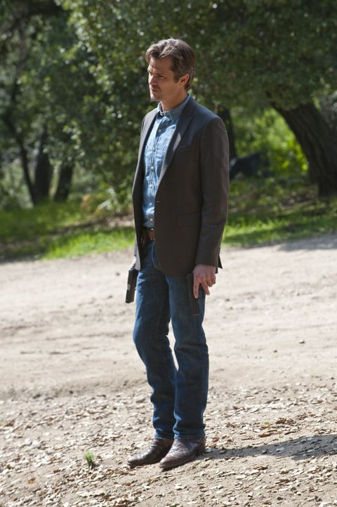 Ava ist in Bo Crowders Gewalt. Wird es Raylan Givens (Timothy Olyphant) gelingen, sie zu befreien? - Bildquelle: 2010 Sony Pictures Television Inc. and Bluebush Productions, LLC. All Rights Reserved.