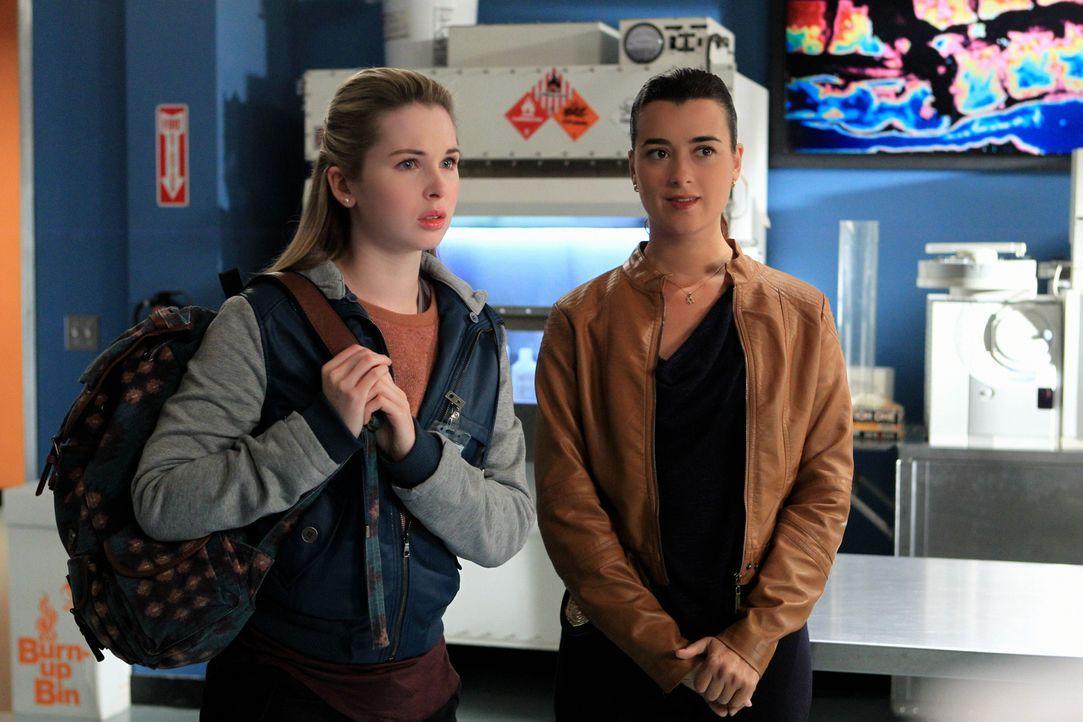 Kann Miranda Pennebaker (Alex Kingston, l.) Ziva (Cote de Pablo, r.) und ihren Kollegen in einem neuen Fall behilflich sein? - Bildquelle: CBS Television