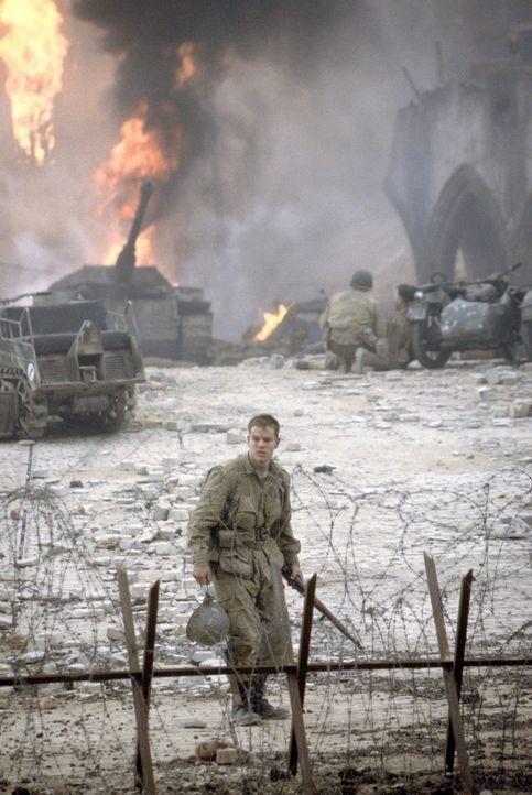 Obwohl James Ryan (Matt Damon) zu den wenigen Überlebenden gehört, kann er sich über seine Rettung nicht freuen. Er fühlt sich am Tod seiner Kam... - Bildquelle: United International Pictures