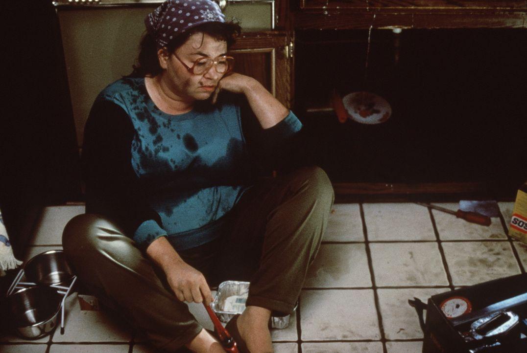Ruth (Roseanne Barr) ist am Boden - Mann weg, Kinder weg, kein Job und eine kaputte Küche ... - Bildquelle: 20th Century Fox