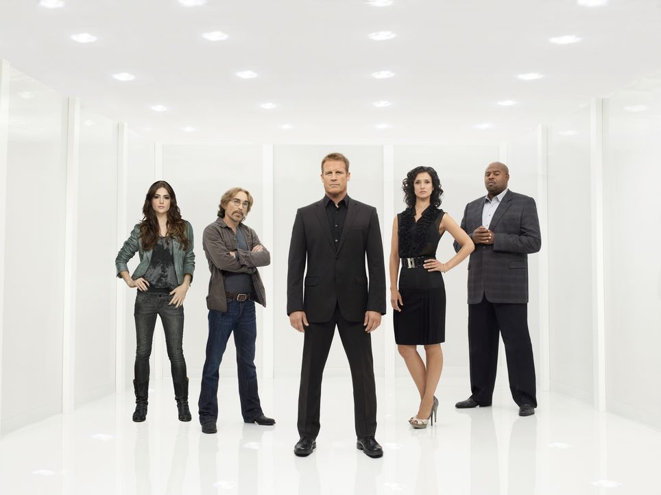 (2. Staffel) - Human Target: (v.l.n.r.) Ames (Janet Montgomery), Guerrero (Jackie Earle Haley), Christopher Chance (Mark Valley), Winston (Chi McBri... - Bildquelle: Warner Bros. Television