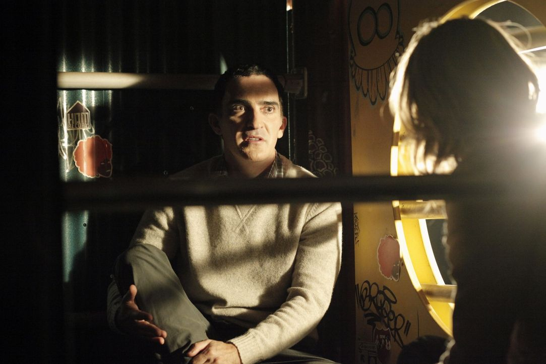 Leo (Patrick Fischler) ist Augenzeuge in einem Mordfall, was ihn in große Gefahr bringt ... - Bildquelle: 2012 American Broadcasting Companies, Inc. All rights reserved.
