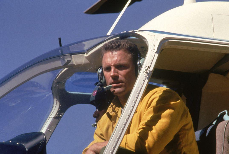 Die Wälder von Wyoming stehen in Flammen! Feuerwehrmann Jesse Graves (Howie Long) versucht, die Lage abzuschätzen.