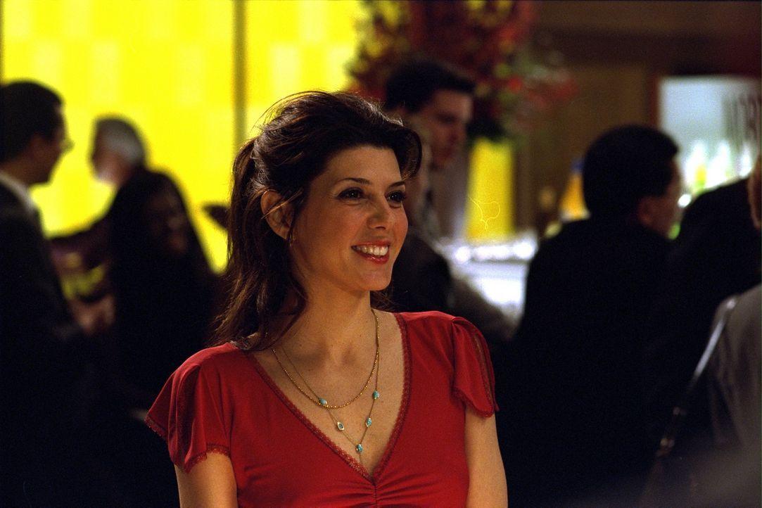 Als Davids Therapeut Dr. Rydell versucht ihm Linda (Marisa Tomei) auszuspannen, droht er zu explodieren ... - Bildquelle: 2003 Sony Pictures Television International. All Rights Reserved.