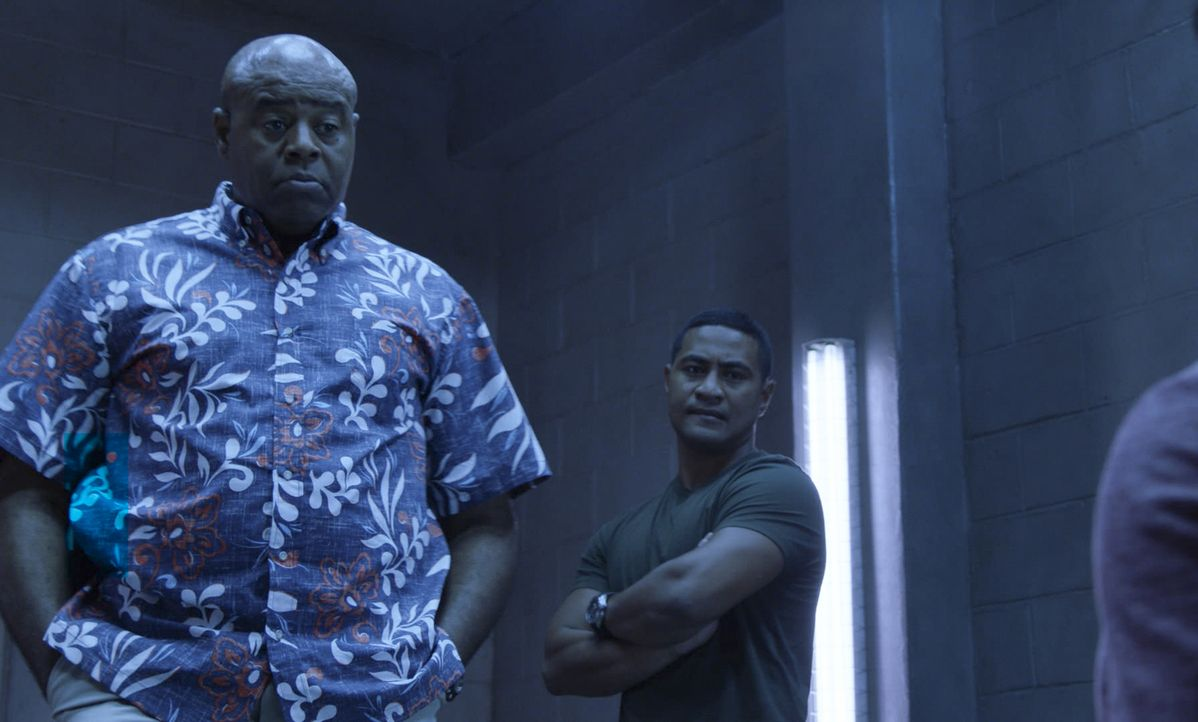 Lou Grover (Chi McBride, l.); Junior Reigns (Beulah Koale, r.) - Bildquelle: 2019 CBS Broadcasting, Inc. All Rights Reserved