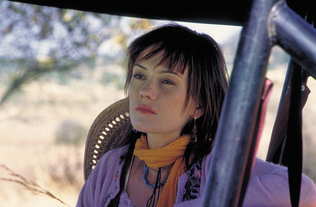 Dank einer neuen Droge kann Zoey (Natasha Gregson Wagner) zunächst einem grauenvollen Schicksal entgehen ? - Bildquelle: 2004 Sony Pictures Television International. All Rights Reserved.