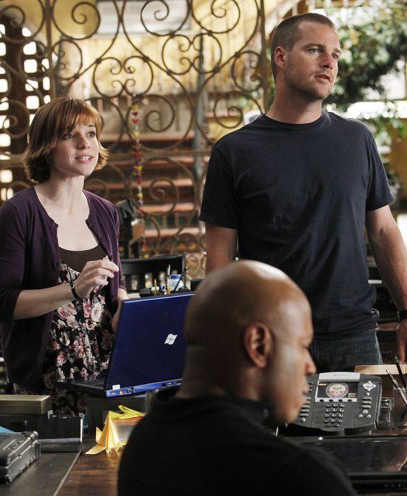 Können nicht glauben, was Hetty ihnen mitteilt: Nell (Renée Felice Smith, l.), Callen (Chris O'Donnell, r.) und Sam (LL Cool J, M.) ... - Bildquelle: CBS Studios Inc. All Rights Reserved.