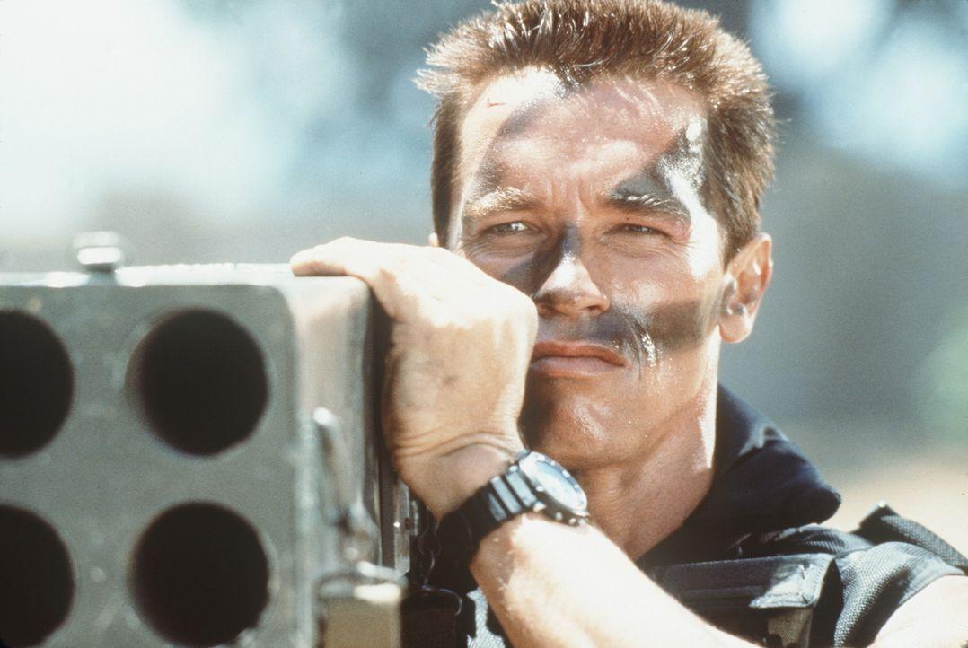 Eine südamerikanische Terrorgruppe entführt die Tochter von Matrix (Arnold Schwarzenegger), um ihn erpressen zu können. Scheinbar geht Matrix auf... - Bildquelle: 20th Century Fox Film Corporation