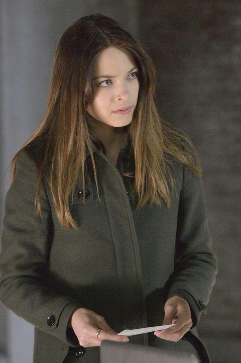 Gemeinsam mit Vincent lässt sich Cat (Kristin Kreuk) auf einen Deal mit FBI Agent Knox ein und befreit eine Agentin aus dem UN-Gebäude ... - Bildquelle: 2013 The CW Network, LLC. All rights reserved.