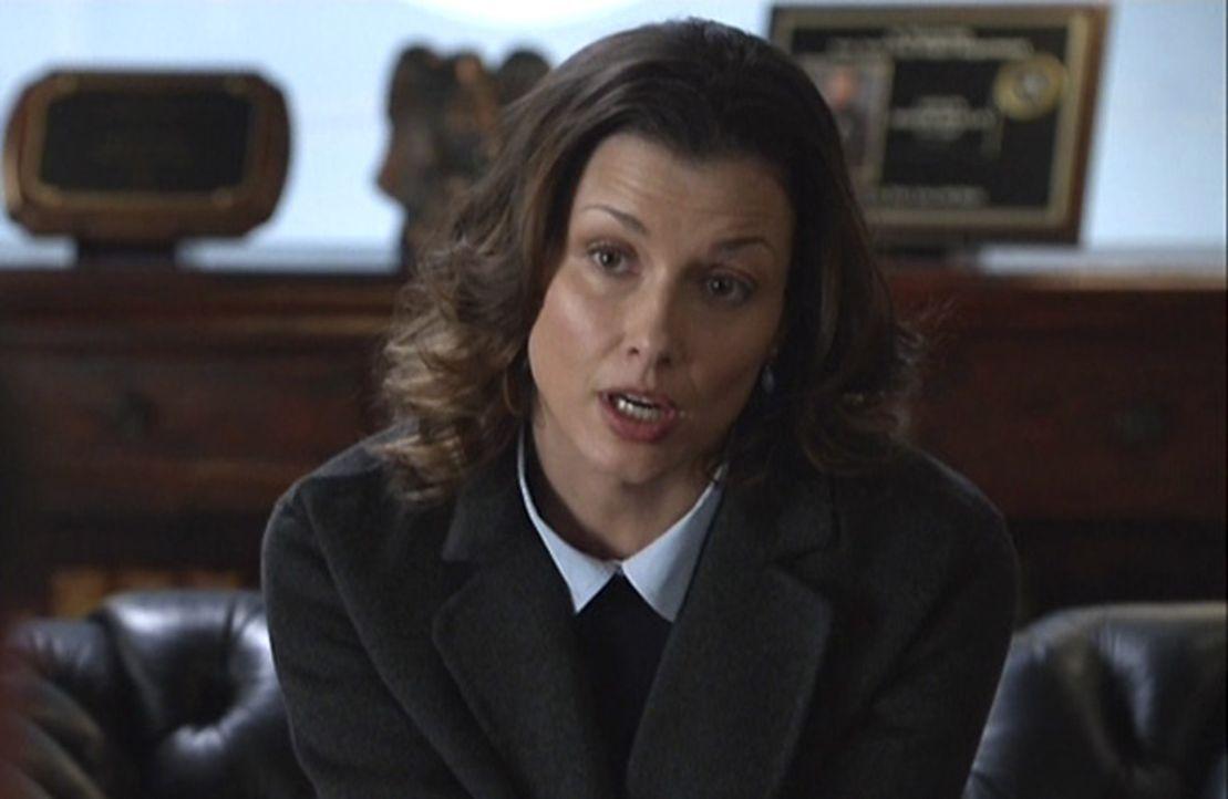 Erin (Bridget Moynahan) macht sich Sorgen um ihren Bruder Danny, gegen den der Staatsanwalt eine Untersuchung in die Wege leiten will. Danny versuch... - Bildquelle: 2013 CBS Broadcasting Inc. All Rights Reserved.