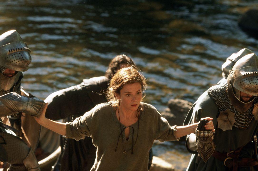 Eines Tages lernt Lady Claire (Anna Friel) einen tapferen Krieger kennen, der aus einer anderen Zeit zu stammen scheint ... - Bildquelle: Concorde Filmverleih GmbH