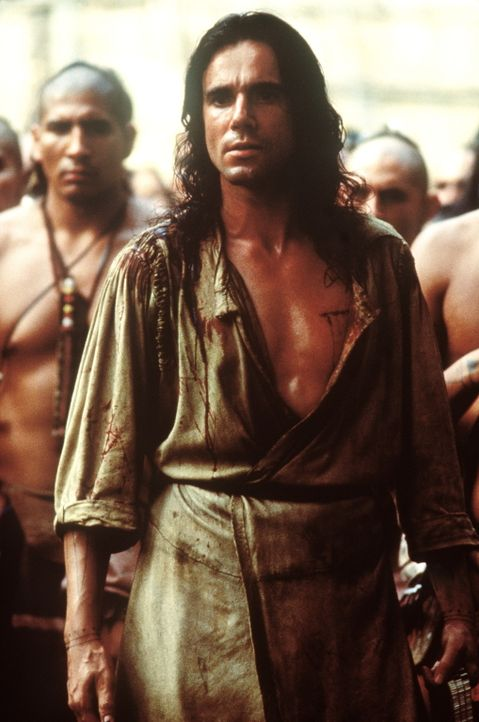 Der Waldläufer Hawkeye (Daniel Day-Lewis, vorne) vertritt die Interessen der indianischen Krieger ... - Bildquelle: 20th Century Fox