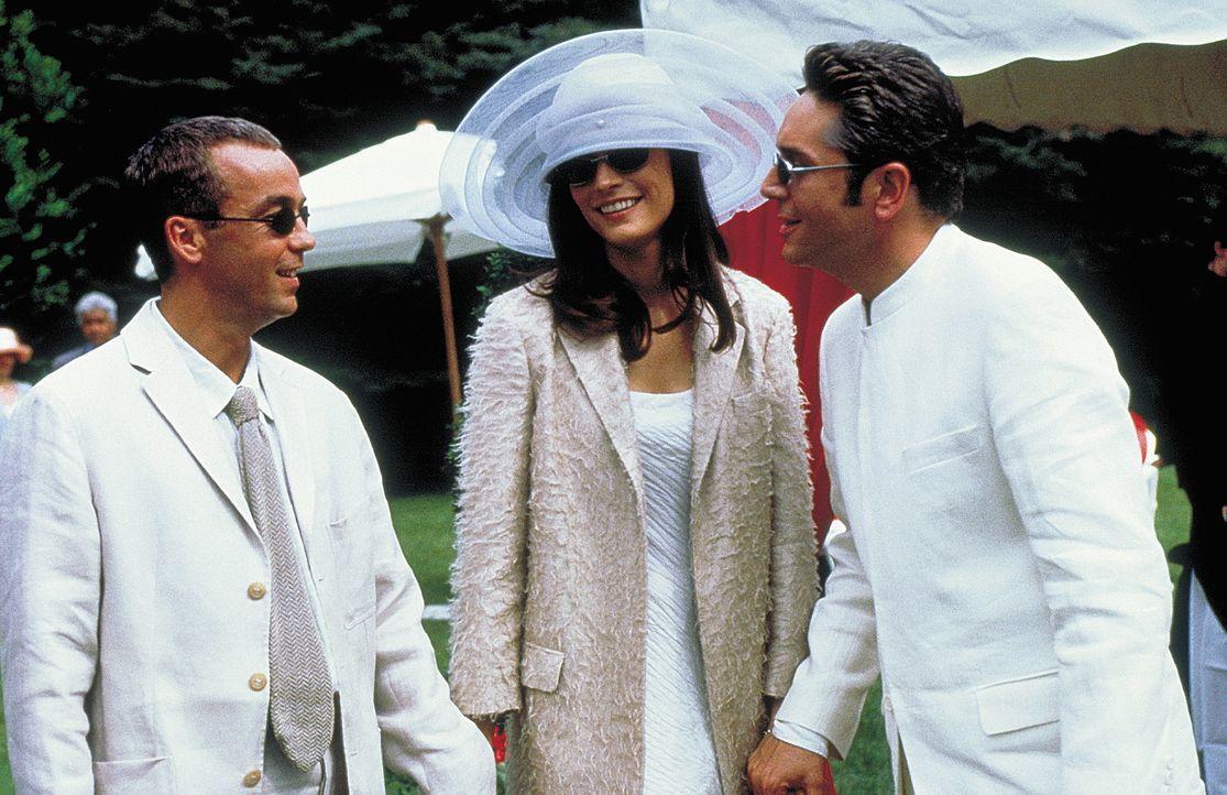 Mit einem artistischen Intrigenspiel wollen Leo (John Hannah, l.) und seine elegante Frau Lily (Famke Janssen, M.) nicht nur den Spielschulden, sond... - Bildquelle: Columbia Pictures