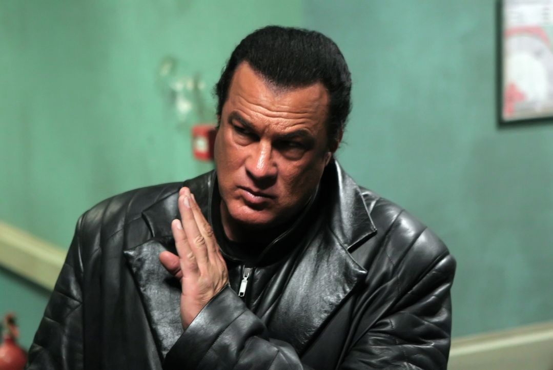 Kantana-Meister Tao (Steven Seagal) ist die einzige Chance der Menschheit, nicht auszusterben ... - Bildquelle: 2008 Worldwide SPE Acquisitions Inc. All Rights Reserved.