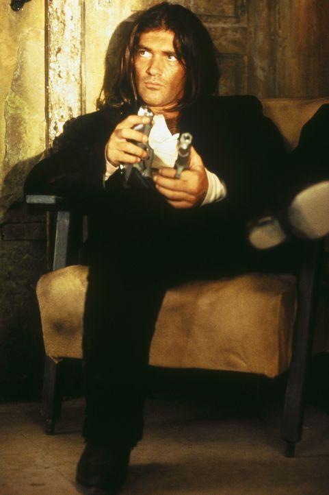 Schwört auf Rache: El Mariachi (Antonio Banderas) - Bildquelle: Columbia Pictures
