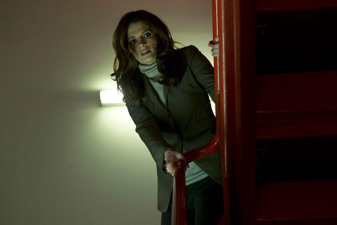 Kate Beckett (Stana Katic) verfolgt Hal Lockwood, dem die Flucht aus dem Gefängnis gelungen ist ... - Bildquelle: ABC Studios