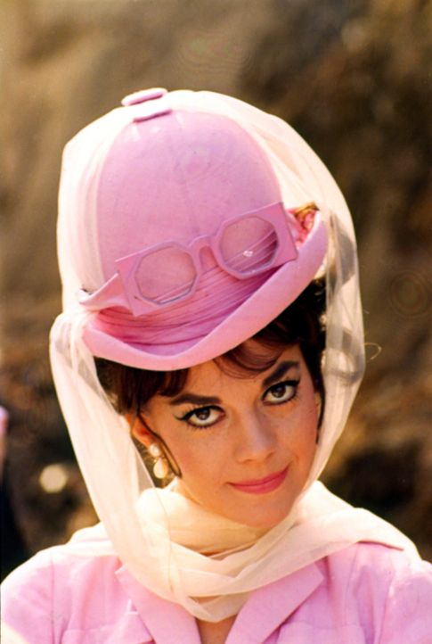 Maggie Dubois (Natalie Wood) - Bildquelle: 1965 Warner Bros. Entertainment Inc.&Patricia-Jalem Reynard Company. Renewed © 1993 Jalem Productions, Inc. Blake Edwards, Tony Curtis&Warner Bros.