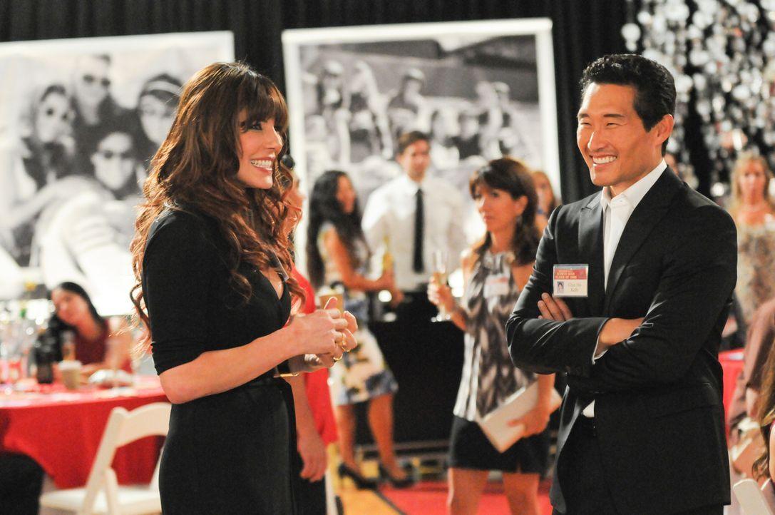 Bei einem Klassentreffen trifft Chin (Daniel Dae Kim, r.) auf Nani Kahanu (Krista Allen, l.), die ein Auge auf ihn geworfen hat. Doch ein Mordfall f... - Bildquelle: 2013 CBS Broadcasting Inc. All Rights Reserved