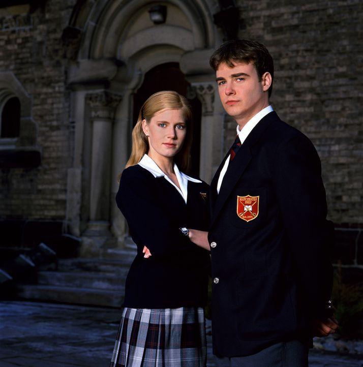 Eigentlich sind Sebastian (Robin Dunne, r.) und seine attraktive Stiefschwester Kathryn (Amy Adams, l.) gar nicht so unähnlich. Beide lieben es, ih... - Bildquelle: 2005 Sony Pictures Television International. All Rights Reserved.