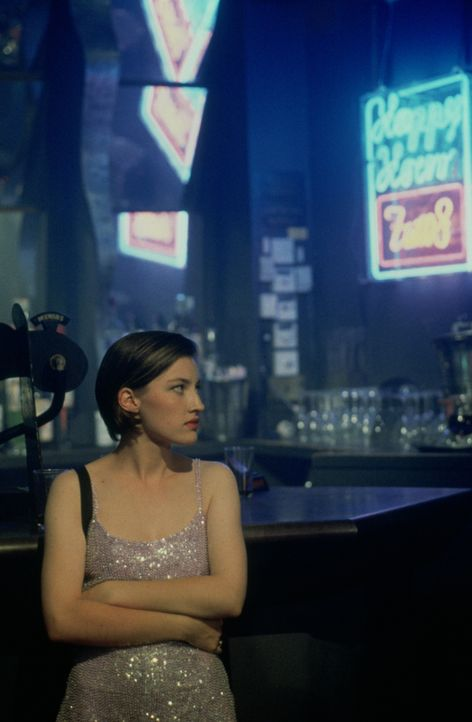 Hat Mark sofort den Kopf verdreht: Diane (Kelly Macdonald) ... - Bildquelle: Universal Pictures