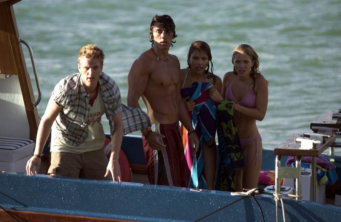 Verzweifelt versuchen (v.l.n.r.) Shane (Riley Smith), T.J. (Justin Baldoni), und die Freundinnen (Bianca Lishansky, Genevieve Howard), Danielle vor... - Bildquelle: CBS Television