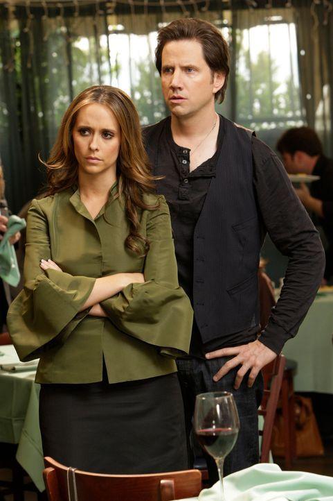 Melinda (Jennifer Love Hewitt, l.) wird überraschend zu der Beerdigung eines alten Schulkameraden eingeladen. Während der Gedenkfeier bekommen sie u... - Bildquelle: ABC Studios