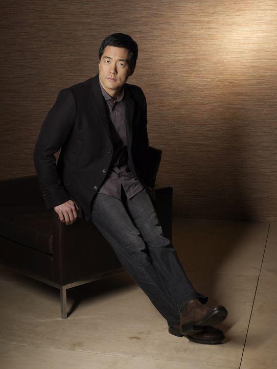 (2. Staffel) - Steht seinen Kollegen mit Rat und Tat zur Seite: Kimball Cho (Tim Kang) ... - Bildquelle: Warner Bros. Television
