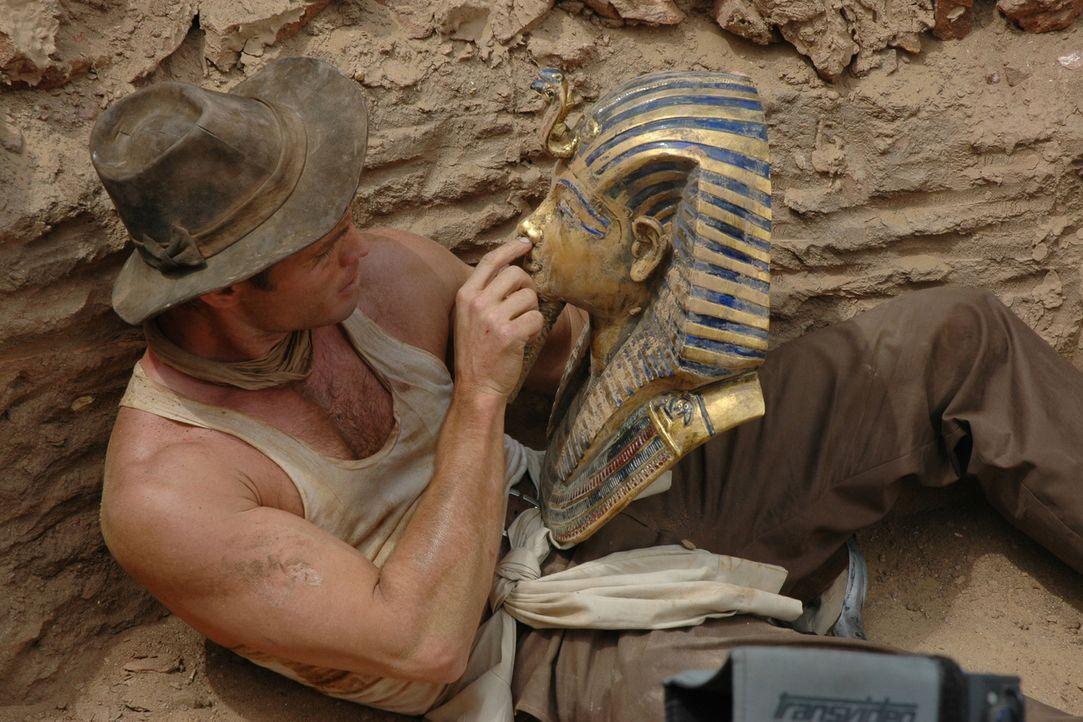 1922 ist Ägypten im Ausgrabungsfieber. Der ehrgeizige junge Archäologe Danny Freemont (Casper Van Dien) ist auf der Suche nach dem vierten Teilst - Bildquelle: 2006 RHI Entertainment Distribution, LLC