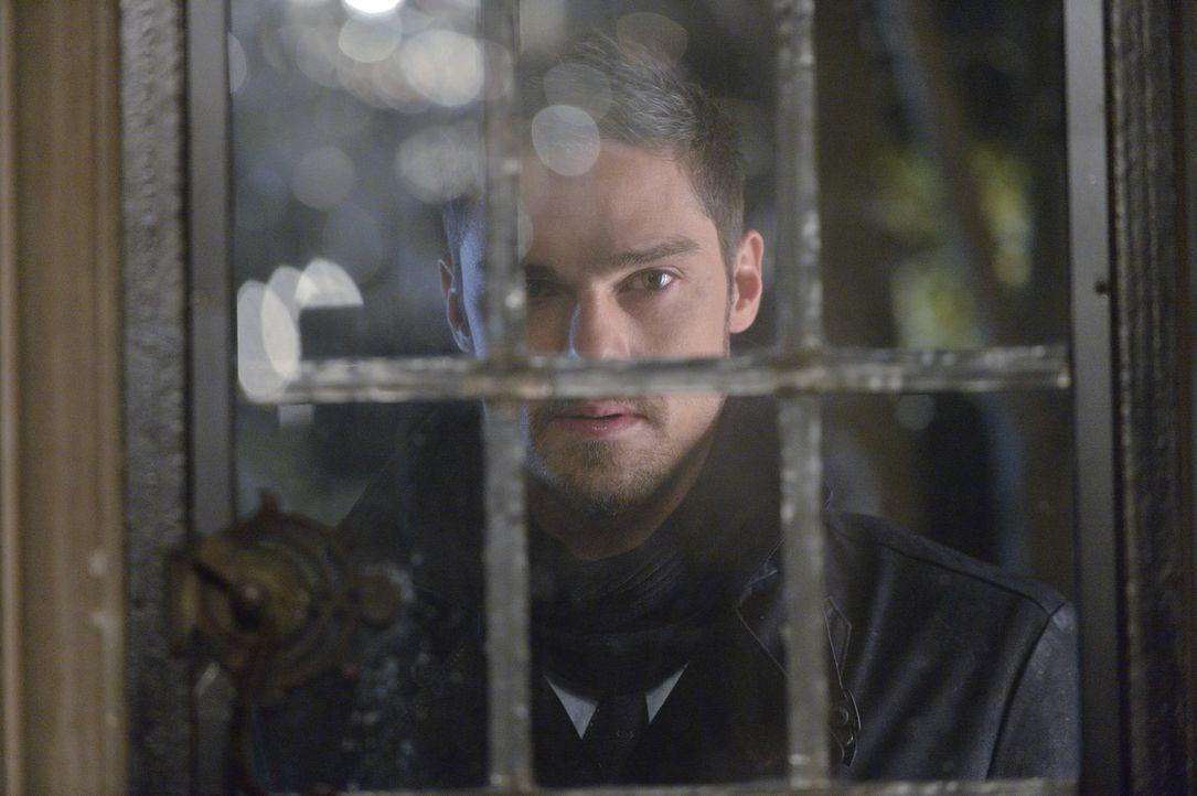 Bekommt von Cat einen ganz besonderen Auftrag: Vince (Jay Ryan) ... - Bildquelle: 2013 The CW Network, LLC. All rights reserved.