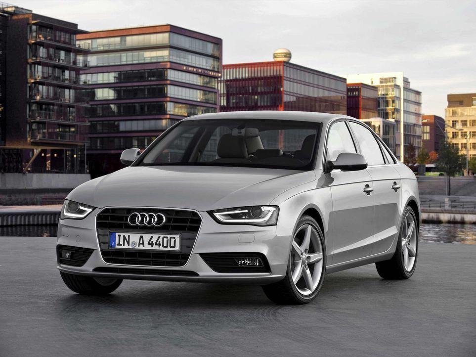 Der Audi A4 bekommt ein neues Gesicht: Der Mittelklasse-Bestseller aus Ingolstadt im Detail verfeinert! Ist er damit fit für den Wettkampf mit neue... - Bildquelle: kabel eins