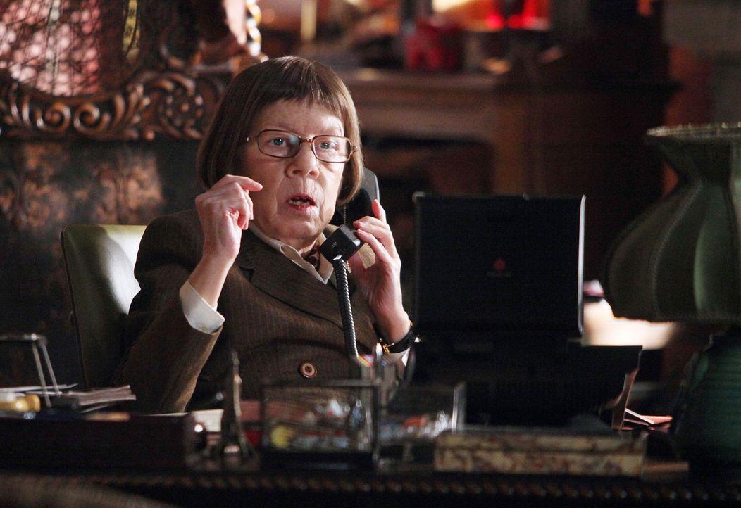 Ein neuer Fall wartet auf Hetty (Linda Hunt) und ihr Team ... - Bildquelle: CBS Studios Inc. All Rights Reserved.