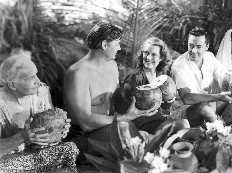 (2. v.l.n.r.) Tarzan (Johnny Weissmuller); Jane (Brenda Joyce); Commissioner (Edward Ashley) - Bildquelle: 1948 Warner Bros. Entertainment Inc. All rights reserved.