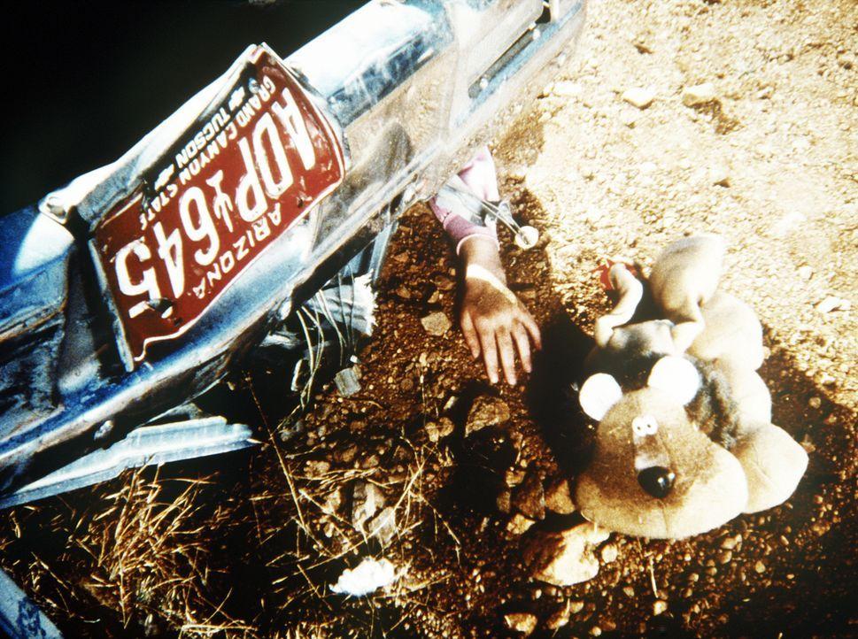 Bei einem Autounfall kommt Sarah (Morgan Nagler) ums Leben ... - Bildquelle: Worldvision Enterprises, Inc.